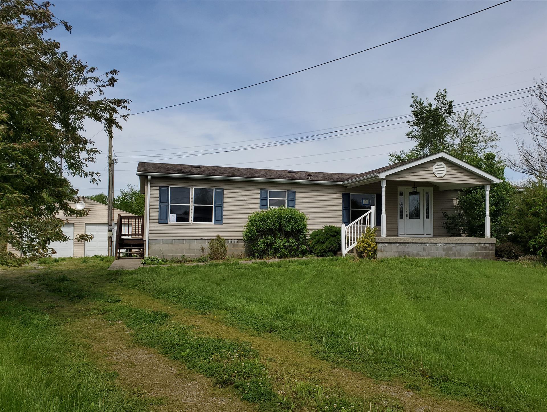 Photo of 160 Redbird Ct, Vine Grove, KY 40175 (MLS # 1584873)