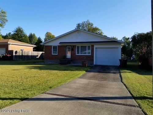 Photo of 1324 Lance Dr, Louisville, KY 40216 (MLS # 1579884)