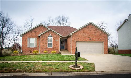 Photo of 169 Woodfield Cir, Shelbyville, KY 40065 (MLS # 1548913)