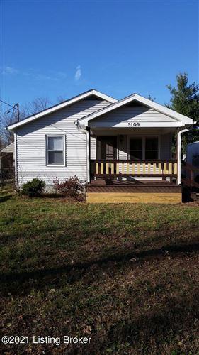 Photo of 9109 Prospect St, Louisville, KY 40242 (MLS # 1576959)
