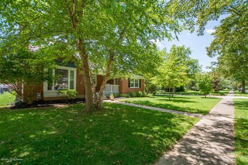 Photo of 3500 Hycliffe Ave, Louisville, KY 40207 (MLS # 1563972)