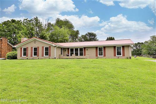 Photo of 3118 Knob St, Shelbyville, KY 40065 (MLS # 1587972)