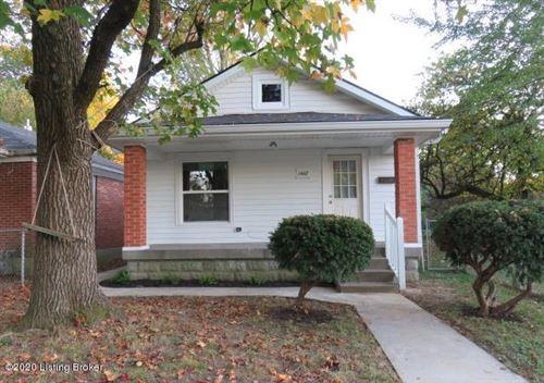 Photo of 1462 Oakwood Ave, Louisville, KY 40215 (MLS # 1574994)