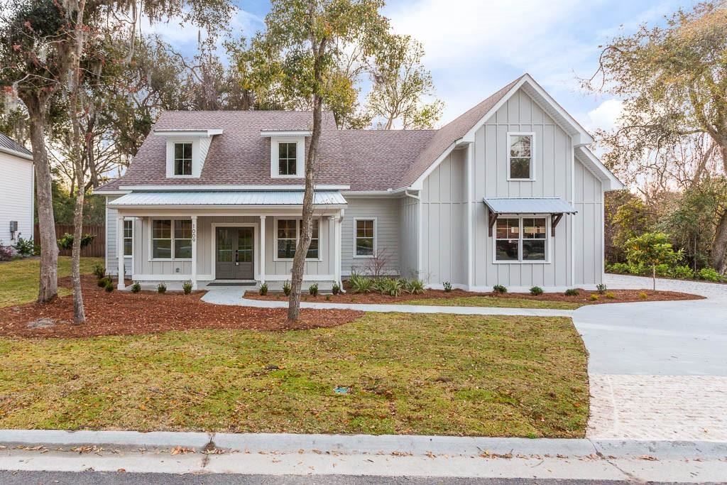 Photo of 1009 Silver Oaks Lane, Saint Simons Island, GA 31522 (MLS # 1616589)