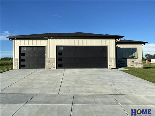 Photo of 902 Terrace View Drive, Hickman, NE 68372 (MLS # 22004062)