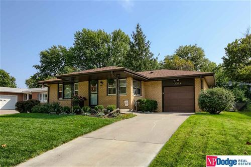 Photo of 7325 S Wedgewood Drive, Lincoln, NE 68510-4268 (MLS # 22024093)