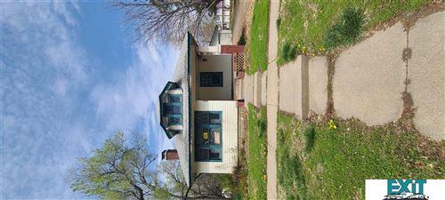 Photo of 316 W Saunders Avenue, Lincoln, NE 68521 (MLS # 22107218)