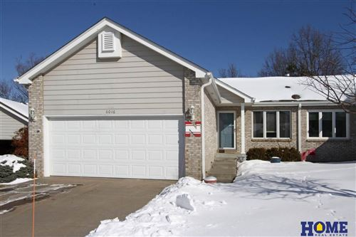 Photo of 6016 Old Farm Circle, Lincoln, NE 68512-1877 (MLS # 22103228)