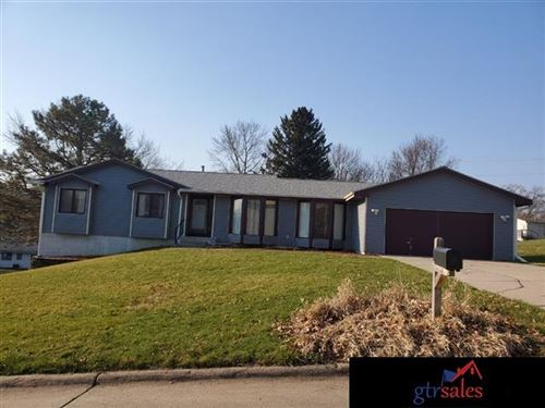 Photo of 5401 Larimore Avenue, Omaha, NE 68104 (MLS # 22012257)