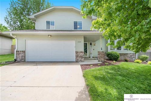 Photo of 4929 Red Rock Avenue, Omaha, NE 68157 (MLS # 22012320)