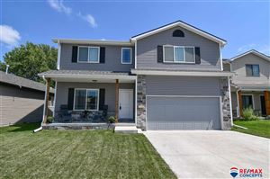 Photo of 1320 SW Kelsey Circle, Lincoln, NE 68522 (MLS # 21919324)