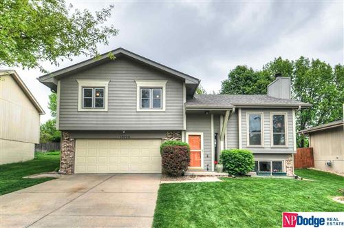 Photo of 13706 Margo Street, Omaha, NE 68138 (MLS # 22012339)