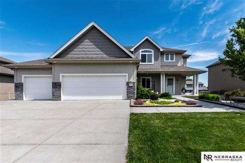 Photo of 1006 Clearwater Drive, Papillion, NE 68046 (MLS # 22013349)