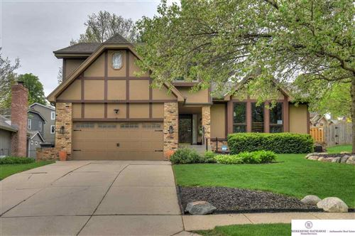 Photo of 16717 Hickory Street, Omaha, NE 68130 (MLS # 22012371)