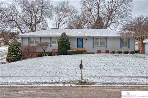 Photo of 1430 S 133rd Street, Omaha, NE 68144 (MLS # 21928423)