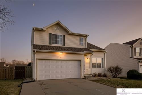 Photo of 11107 Black Street, Omaha, NE 68142 (MLS # 21928428)