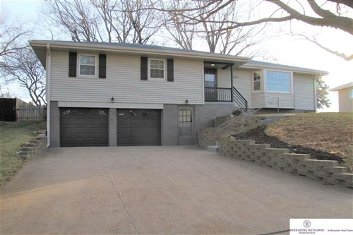 Photo of 1529 Pinewood Circle, Omaha, NE 68144 (MLS # 21928450)