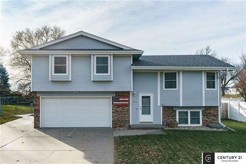 Photo of 12667 Ogden Street, Omaha, NE 68164 (MLS # 21928500)