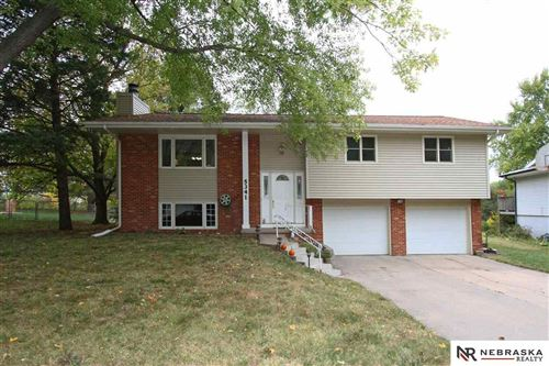 Photo of 5341 Tipperary Trail, Lincoln, NE 68512 (MLS # 22125617)