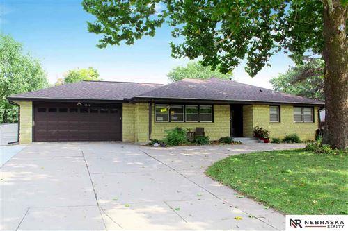 Photo of 1630 W Manor Drive, Lincoln, NE 68506 (MLS # 22023634)