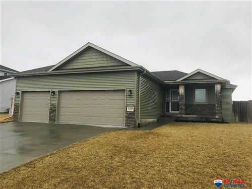 Photo of 1009 Autumn Road, Hickman, NE 68372 (MLS # 22005775)