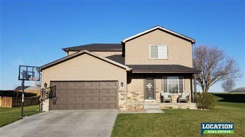 Photo of 1305 Ridge Road, Hickman, NE 68372 (MLS # 22009796)