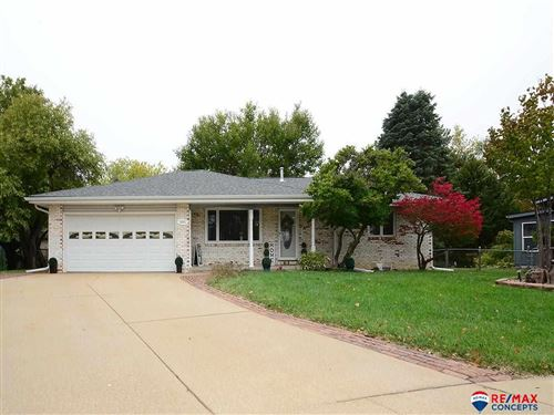 Photo of 2201 Sheffield Place, Lincoln, NE 68512 (MLS # 22125797)