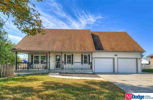 Photo of 5011 NW Carver Circle, Lincoln, NE 68521 (MLS # 22124834)