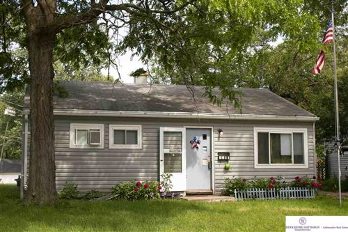 Photo of 3311 S 40 Street, Omaha, NE 68105 (MLS # 22012843)