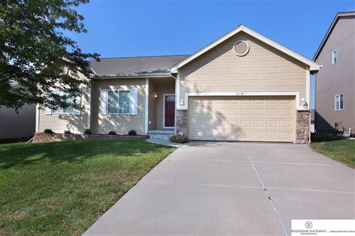 Photo of 4610 Clearwater Drive, Papillion, NE 68133 (MLS # 22023992)