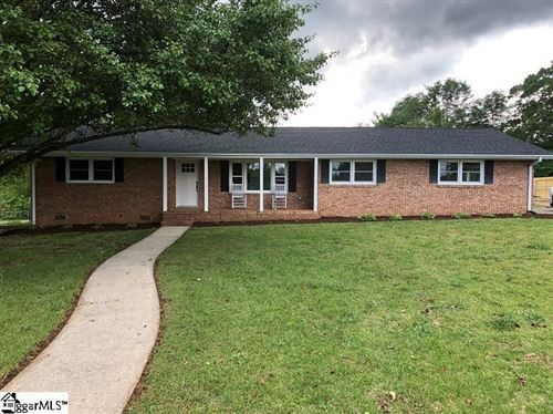 Photo of 130 Pineview Drive, Easley, SC 29642 (MLS # 1418358)