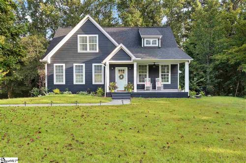 Photo of 521 E Darby Road, Taylors, SC 29687 (MLS # 1427431)