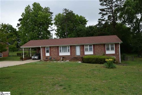Photo of 908 Beverly Drive, Spartanburg, SC 29303 (MLS # 1418799)
