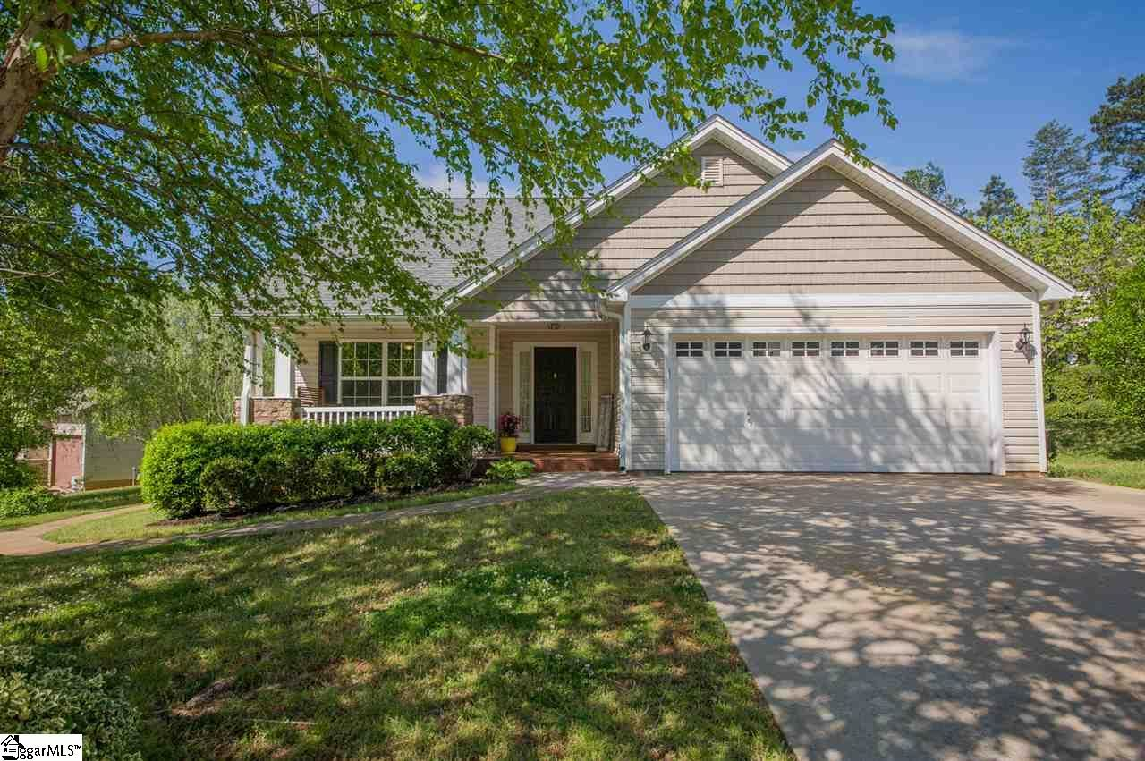 Photo for 4 Kentworth Court, Taylors, SC 29687 (MLS # 1416833)
