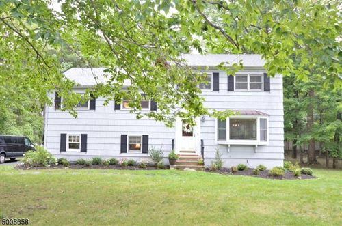 Photo of 7 GREEN KNOLLS RD, Morris, NJ 07960 (MLS # 3654444)