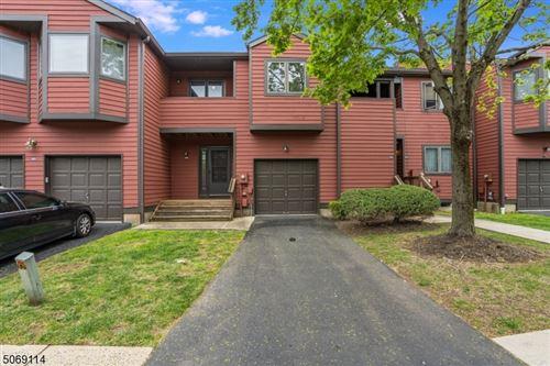 Photo of 602 Clark Cir, Raritan, NJ 08822 (MLS # 3710446)