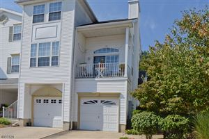 Photo of 32 WILDFLOWER LN, Morris, NJ 07960 (MLS # 3591513)