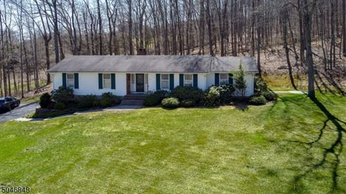 Photo of 5 Country Ln, Frankford, NJ 07826 (MLS # 3705759)