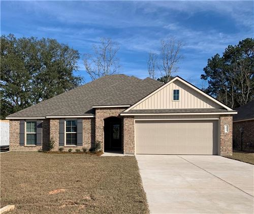 Photo of 75302 CRESTVIEW HILLS Loop, Covington, LA 70435 (MLS # 2238068)