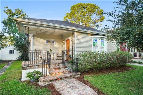 Photo of 104 E PARK Place, New Orleans, LA 70124 (MLS # 2273107)