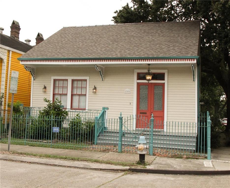 3303 CHESTNUT Street, New Orleans, LA 70115 - #: 2309144