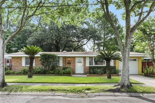 Photo of 220 ROSELYN PARK Place, New Orleans, LA 70131 (MLS # 2259149)