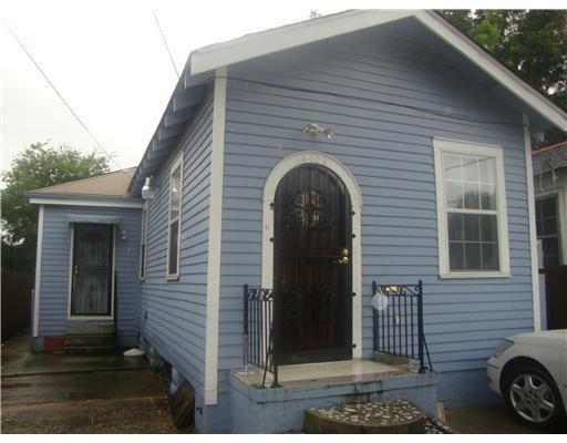 4109 HOLLYGROVE Street, New Orleans, LA 70118 - #: 2262151
