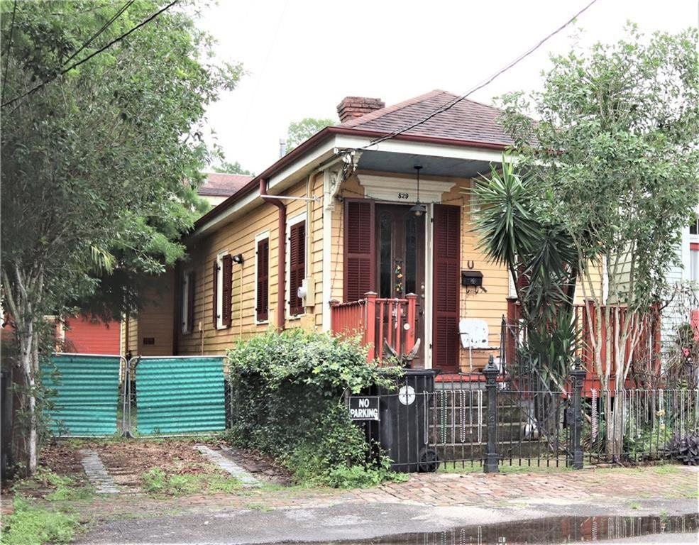 829 4TH Street, New Orleans, LA 70115 - #: 2300184