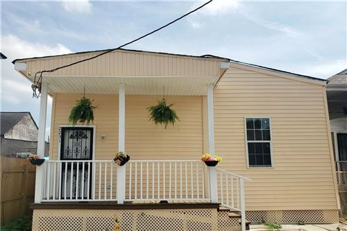 Photo of 2231 AMELIA Street, New Orleans, LA 70115 (MLS # 2234305)