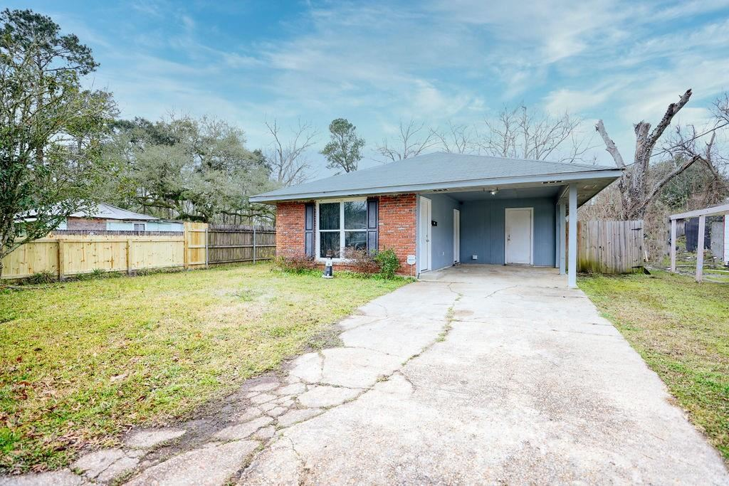 545 NW RAILROAD Avenue, Ponchatoula, LA 70454 - MLS#: 2287336