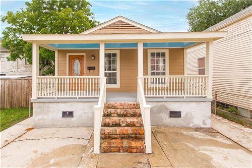 Photo of 818 JOSEPHINE Street, New Orleans, LA 70130 (MLS # 2297357)