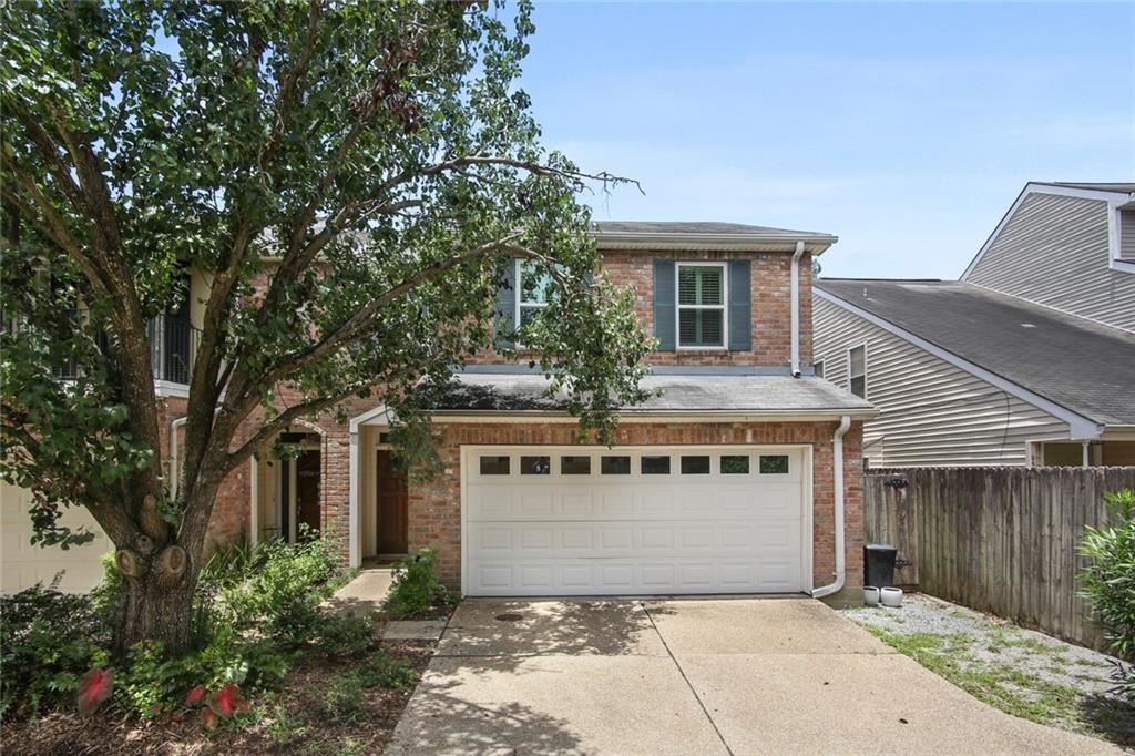 1000 OLD METAIRIE Place, Metairie, LA 70001 - #: 2308541