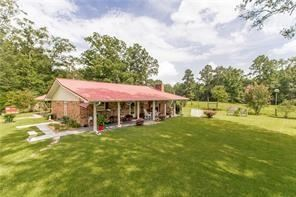 Photo of 30120 BLUEBERRY HILL Road, Albany, LA 70711 (MLS # 2282736)