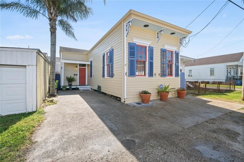 531 BELLECASTLE Street, New Orleans, LA 70115 - #: 2293845